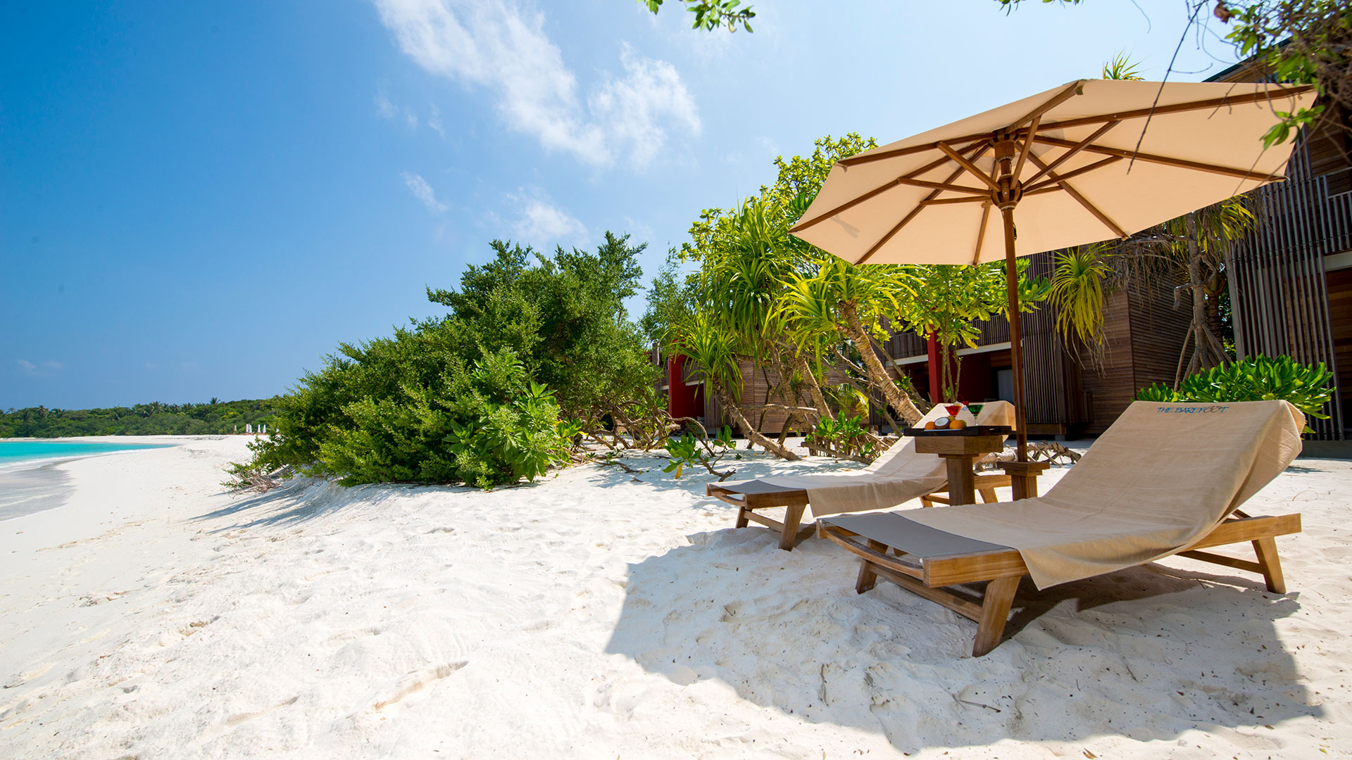 spiaggia-The-Barefoot-eco-hotel